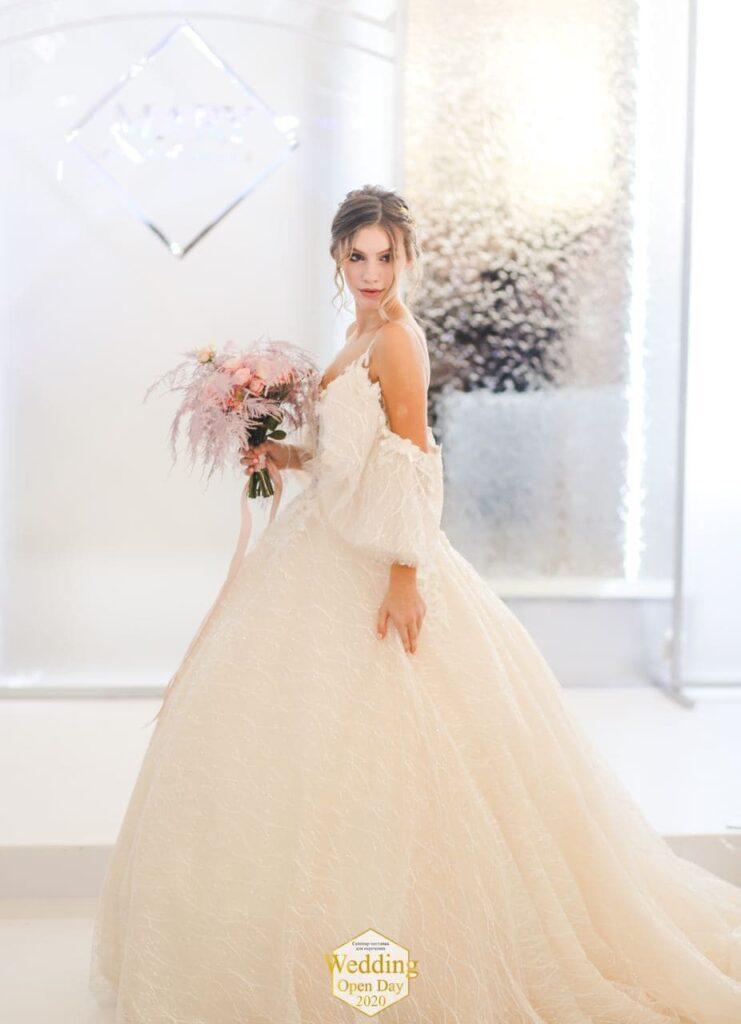показ весільних плать